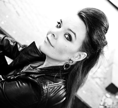 ANETTE OLZON picture