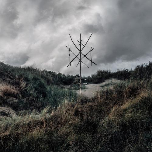 WIEGEDOOD - De doden hebben het goed II cover
