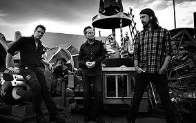 THEM CROOKED VULTURES picture